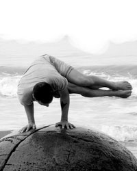 image du professeur de yoga HARMONIE, CORPS ET SENS
