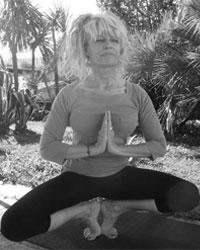 image du professeur de yoga LOULOU CATCH