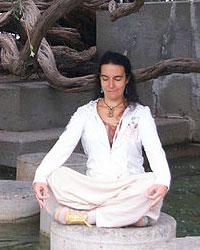 image du professeur de yoga HARMONIQUE