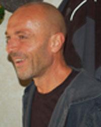 image du professeur de yoga MANOLAYA CENTRE DE YOGA