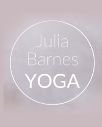 image du professeur de yoga YOGA JULIA