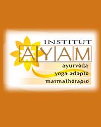 image du professeur de yoga INSTITUT AYAM