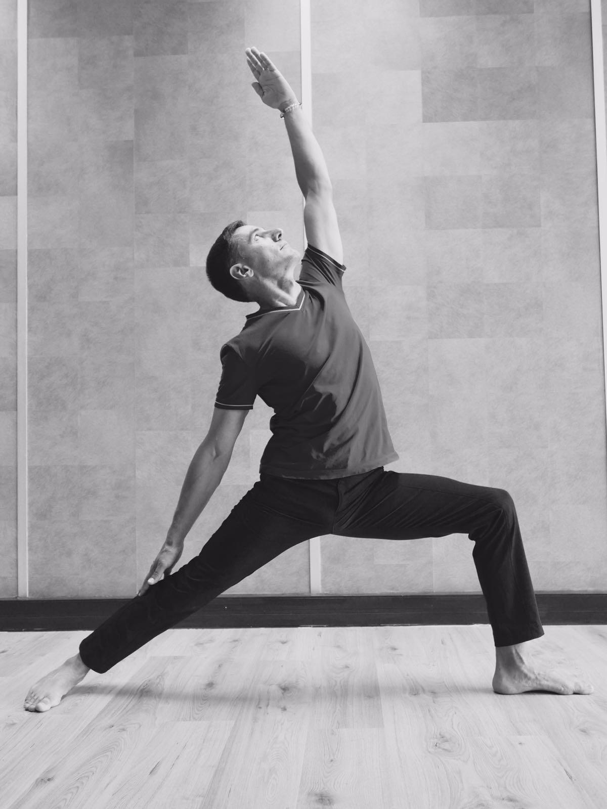 image du professeur de yoga GRANOTTIER Roland