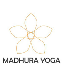 image du professeur de yoga MADHURA YOGA