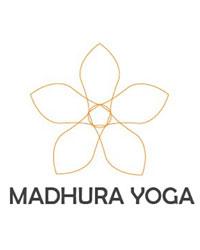 Professeur Yoga MADHURA YOGA