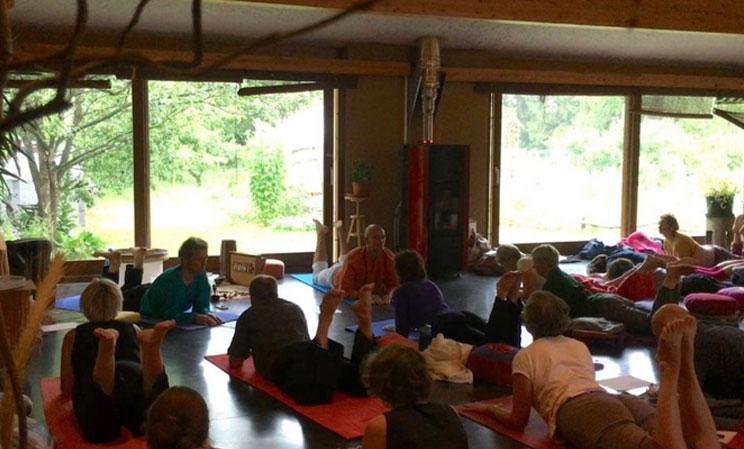 image actualite du professeur de yoga