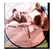 image Senior du professeur de yoga